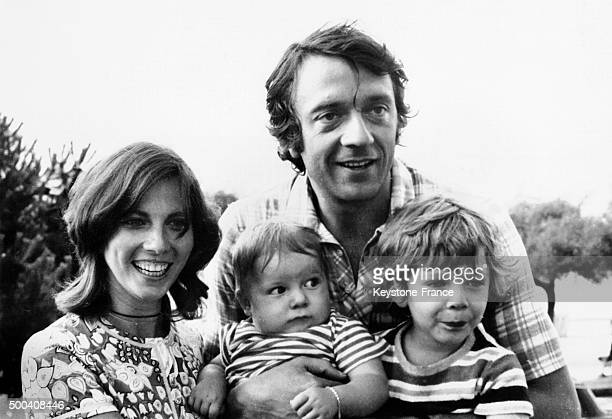 The actor JeanPierre Cassel with his wife Sabine and their two children Vincent and Mathias on vacation at the Arcachon Bay on July 22 1970 in France