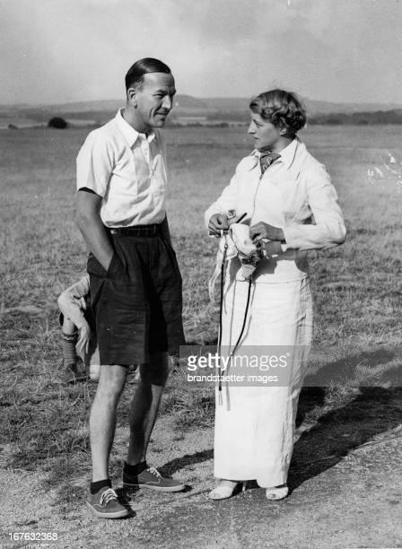 The actors Noel Coward and Jeanne de Casalis Photograph August 11th 1937 Die Schauspieler Noel Coward und Jeanne de Casalis Photographie 1181937