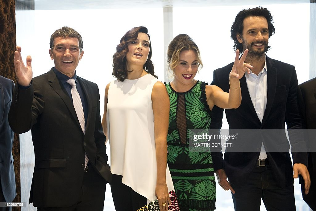 The actors of the film 'The 33' Antonio Banderas Cote de Pablo Kate del Castillo and Rodrigo Santoro pose for the photographers in Santiago on August...