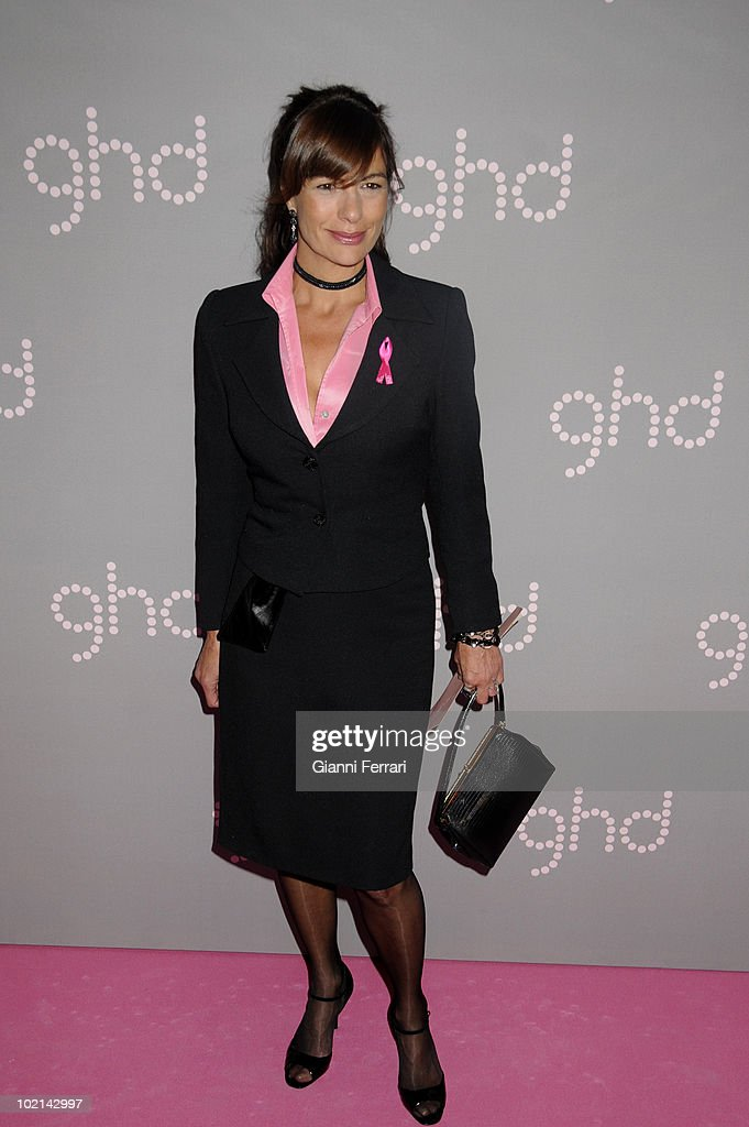 The actress Alejandra Greppi gives her support to the flight against the breast cancer, held on October 19, 2009, discoteque 'Pacha', Madrid, Spain. (Photo by Gianni Ferrari/Gety Images