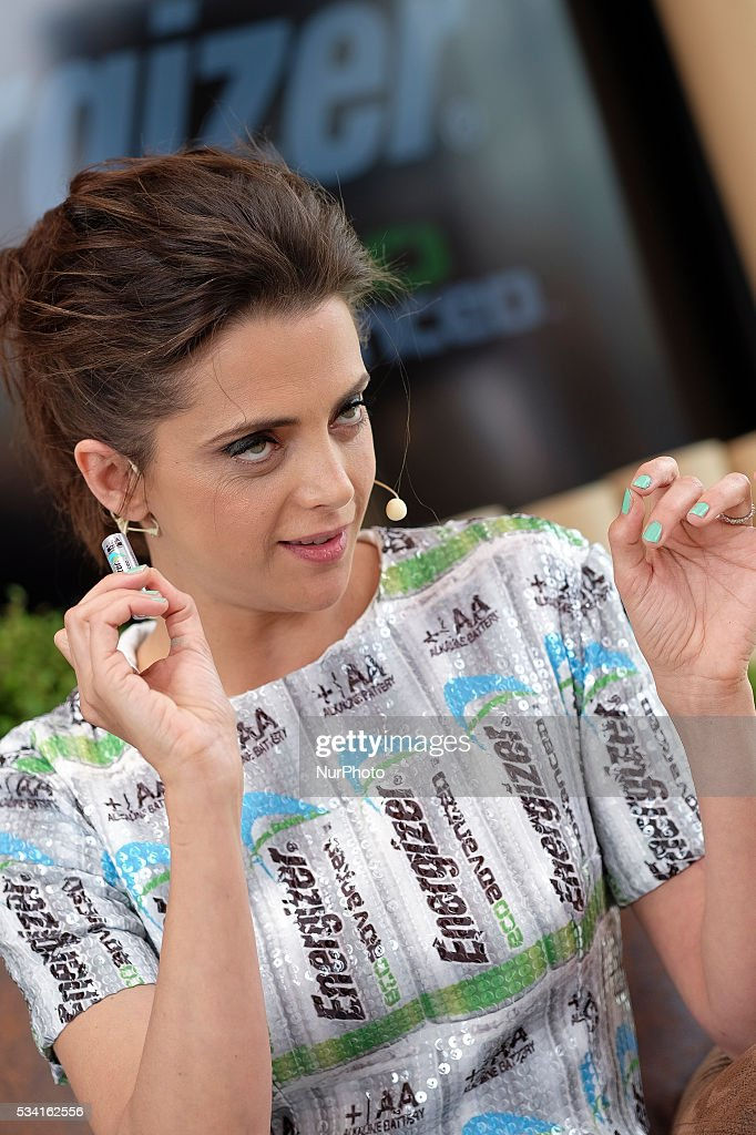 """The actress <a gi-track='captionPersonalityLinkClicked' href=/galleries/search?phrase=Macarena+Gomez&family=editorial&specificpeople=2532473 ng-click='$event.stopPropagation()'>Macarena Gomez</a> presents the first stack recycled """"Eco Advanced, Energizer"""" in Madrid, Spain, on May 25, 2016."""