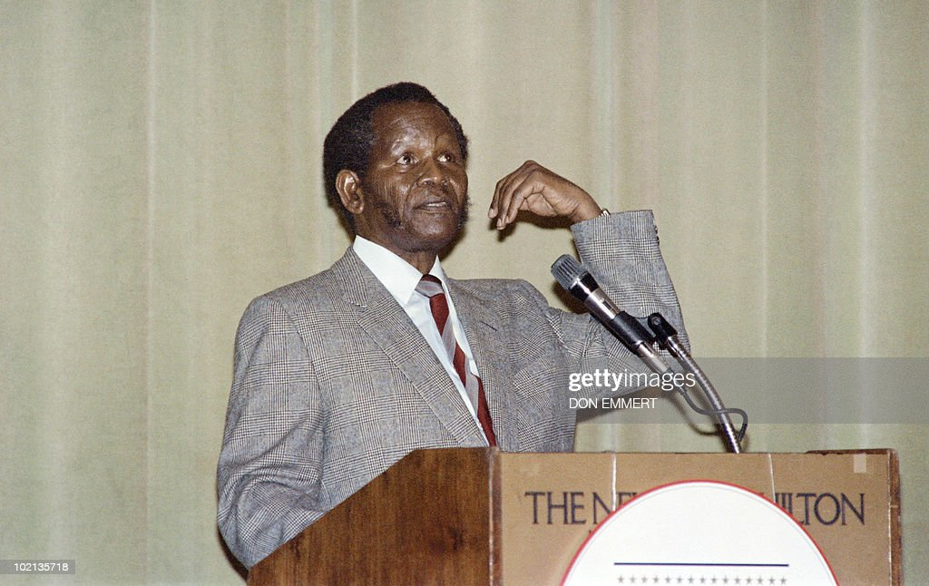 The African National Congress (ANC) president Oliver Tambo speaks to the Foreign Policy Association and the African American Institute, on January 22, 1987 in New York.