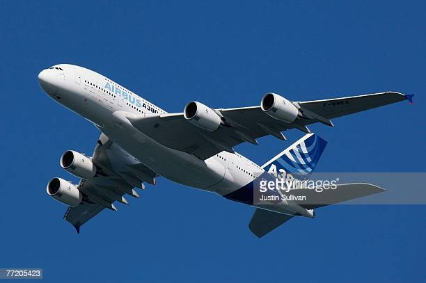 The Airbus A380 flies over San Francisco as part of the city's Fleet Week October 5 2007 in San Francisco California The A380 the world's largest...