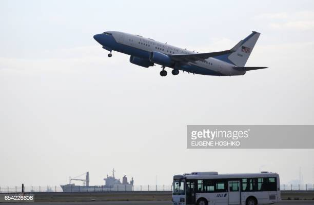 The airplane with US Secretary of State Rex Tillerson aboard departs from Haneda International Airport in Tokyo on March 17 2017 / AFP PHOTO / AP...