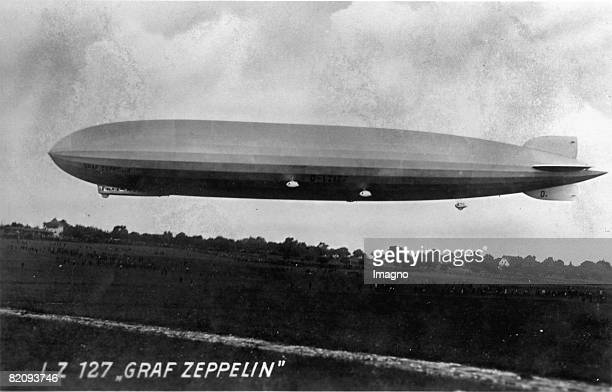 The airship LZ 127 'Graf Zeppelin' Photograph 1928 [Das Luftschiff LZ 127 'Graf Zeppelin' Photographie 1928]