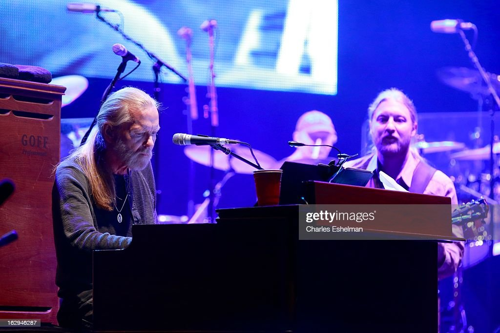 The Allman Brothers Band' <a gi-track='captionPersonalityLinkClicked' href=/galleries/search?phrase=Gregg+Allman&family=editorial&specificpeople=741073 ng-click='$event.stopPropagation()'>Gregg Allman</a> and <a gi-track='captionPersonalityLinkClicked' href=/galleries/search?phrase=Derek+Trucks&family=editorial&specificpeople=2238705 ng-click='$event.stopPropagation()'>Derek Trucks</a> perform at Beacon Theatre on March 1, 2013 in New York City.