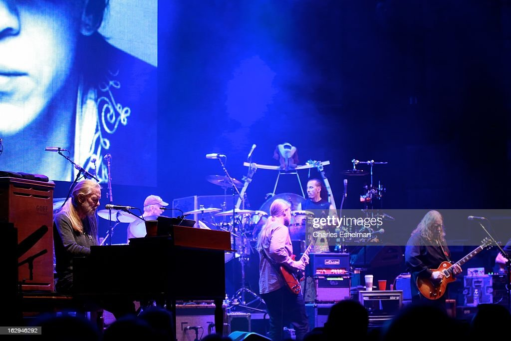 The Allman Brothers Band' <a gi-track='captionPersonalityLinkClicked' href=/galleries/search?phrase=Gregg+Allman&family=editorial&specificpeople=741073 ng-click='$event.stopPropagation()'>Gregg Allman</a>, Jai Johanny Johanson, Butch Trucks, <a gi-track='captionPersonalityLinkClicked' href=/galleries/search?phrase=Derek+Trucks&family=editorial&specificpeople=2238705 ng-click='$event.stopPropagation()'>Derek Trucks</a>, <a gi-track='captionPersonalityLinkClicked' href=/galleries/search?phrase=Warren+Haynes&family=editorial&specificpeople=220730 ng-click='$event.stopPropagation()'>Warren Haynes</a>, Marc Qui–ones and Oteil Burbridge perform at Beacon Theatre on March 1, 2013 in New York City.