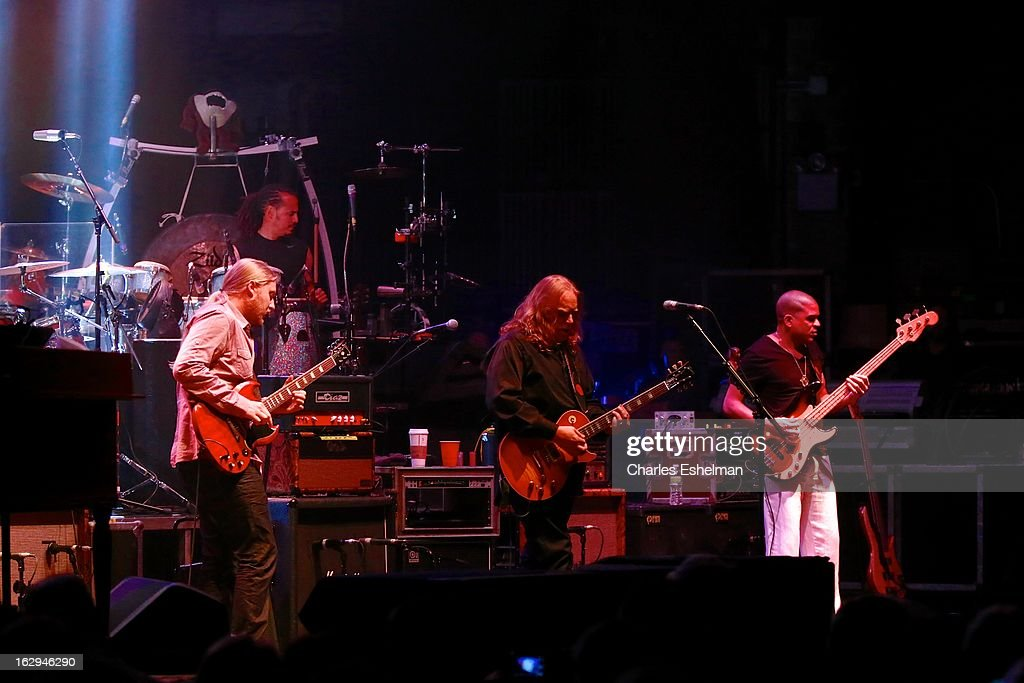 The Allman Brothers' <a gi-track='captionPersonalityLinkClicked' href=/galleries/search?phrase=Derek+Trucks&family=editorial&specificpeople=2238705 ng-click='$event.stopPropagation()'>Derek Trucks</a>, Marc Qui–ones, <a gi-track='captionPersonalityLinkClicked' href=/galleries/search?phrase=Warren+Haynes&family=editorial&specificpeople=220730 ng-click='$event.stopPropagation()'>Warren Haynes</a> and Oteil Burbridge perform at Beacon Theatre on March 1, 2013 in New York City.