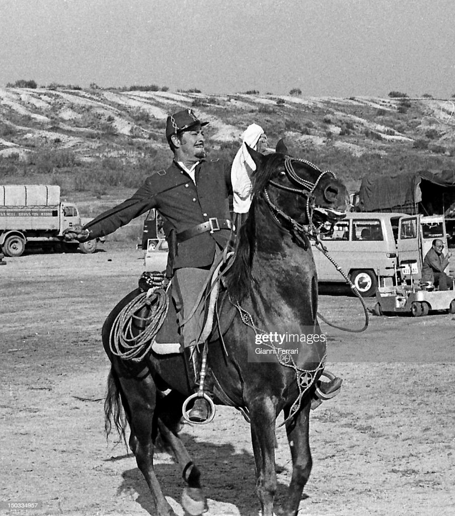 The American actor <a gi-track='captionPersonalityLinkClicked' href=/galleries/search?phrase=Robert+Taylor+-+American+Actor&family=editorial&specificpeople=5411922 ng-click='$event.stopPropagation()'>Robert Taylor</a> during the filming of the movie 'Wild Pampa', 1966, Almeria, Spain.