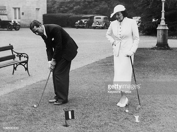 The American Actress Bebe Daniels And Her Husband Ben Lyons Playing Golf In Dublin Ireland On June 23 1936
