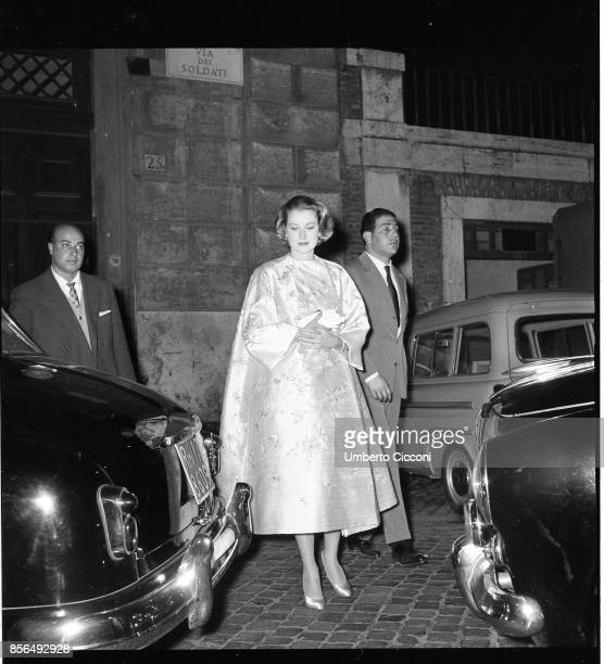 The American actress Grace Kelly is in Rome with Prince Ranieri di Monaco in 1957 They were at the Osteria dell'Orso
