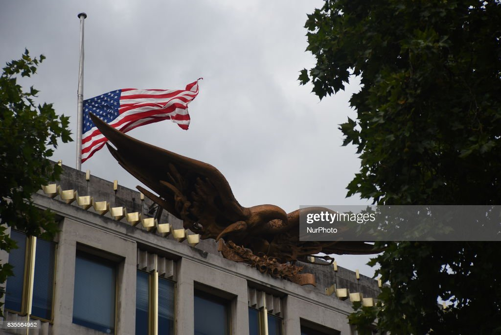 The American Embassy is pictured in Central London, as a protest took place against the racism escalation following the riot in Charlottesville, London on August 19, 2017. In Charlottesville, Virginia, took place the most violent clashes at the largest gathering of white nationalists in America for decades. President Donald Trump has been criticized for his reaction, considered too soft.
