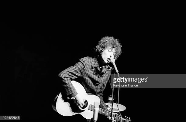 The American Folklorist Bob Dylan Onstage At The Olympia On May 25 1966