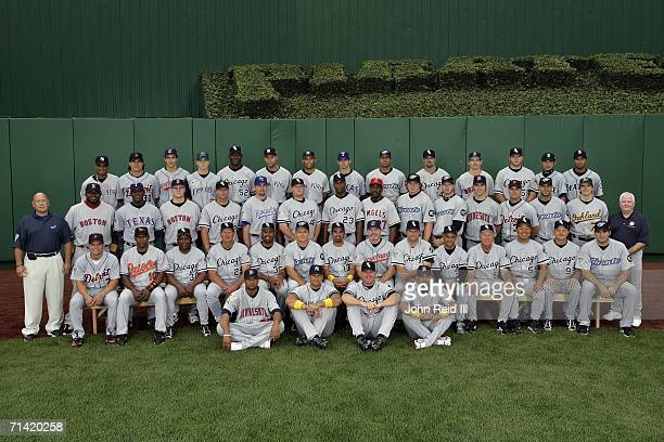 The American League AllStar team poses for a team photo during the 2006 MLB AllStar game at PNC Park on July 11 2006 in Pittsburgh Pennsylvania