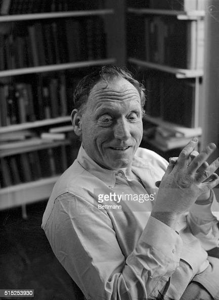 "a biography of robert penn warren a poet As one of american literary history's most celebrated ""renaissance  generally  termed a ""southern writer,"" warren was deeply invested in."
