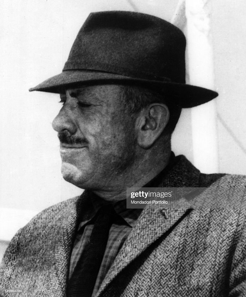 a biography of the american writer john steinbeck Early life steinbeck was born to john ernst steinbeck sr, a first-generation german americanhe attended stanford university until 1925 when he left the university in order to become a.