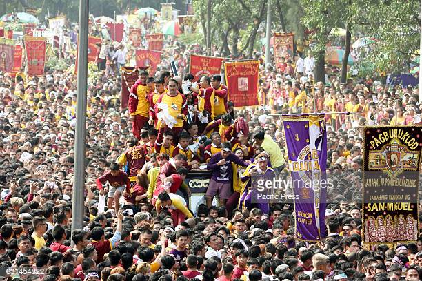 AVE MANILA NCR PHILIPPINES The andas of the Black Nazarene arrives amidst the cheer of the waiting masses along Padre Burgos Avenue in Manila The...