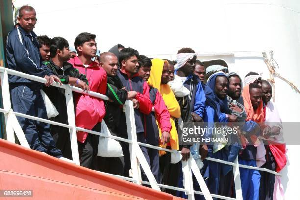The Aquarius rescue Ship run by NGO SOS Mediterranee and Medecins Sans Frontieres arrive in the port of Salerno with 1004 migrants including 240...