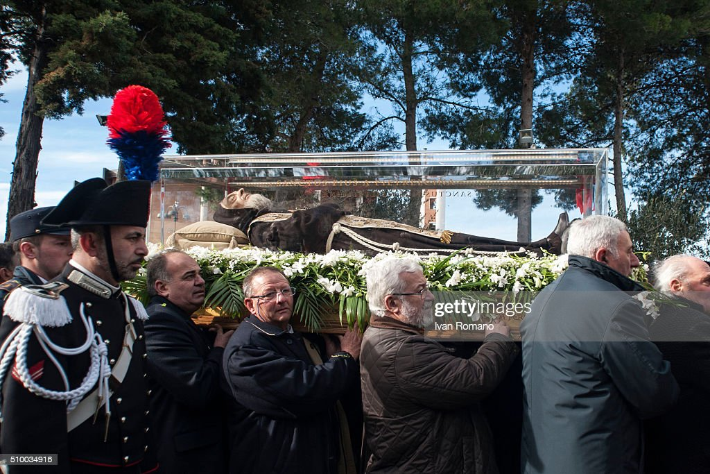 http://media.gettyimages.com/photos/the-arrival-of-the-relics-of-saint-pio-to-piana-romano-of-pietrelcina-picture-id510034916