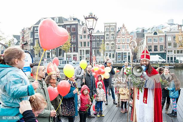 The arrival of the Sinterklaas took place on November 5 at the Stopera in Amsterdam Patrick Mathurin who will play this year for the second time...