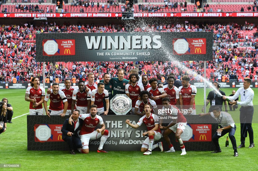 The Arsenal players celebrate winning the Community Shield after the match between Chelsea and Arsenal at Wembley Stadium on August 6, 2017 in London, England.