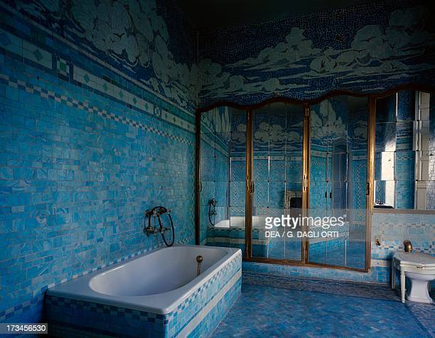 The Art Deco style bathroom of the Duchess of Windsor Chateau de Cande Centre France