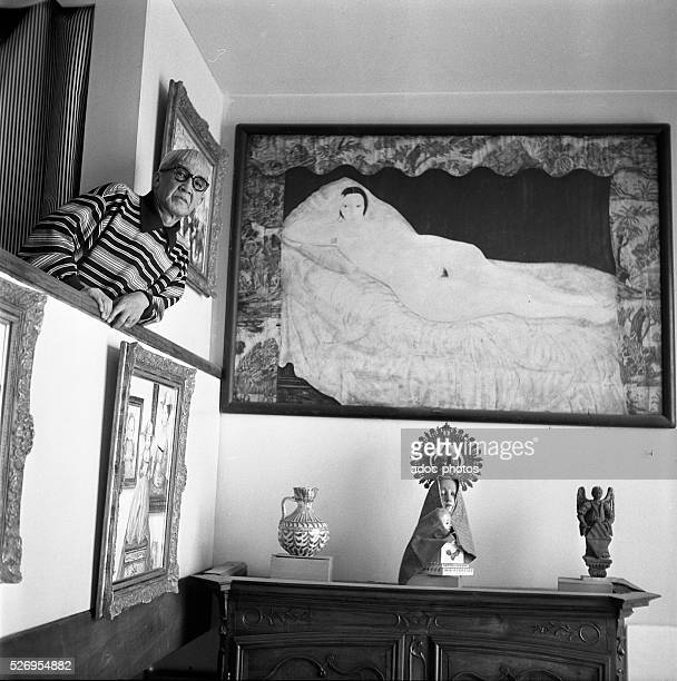 The artist Tsugouharu Foujita in front of his painting 'Reclining Nude with Toile de Jouy' In 1953 Artist copyright must also be cleared �� ADAGP