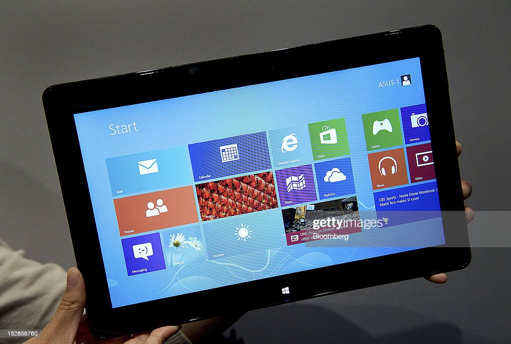 The ASUS Vivo Tab tablet computer is displayed for a photograph during an event in San Francisco, California, U.S., on Thursday, Sept. 27, 2012. Intel Corp.'s delayed delivery of software that conserves computer battery life is holding up the development of some tablets running the latest version of Microsoft Corp.'s flagship Windows operating system, a person with knowledge of the matter said. Photographer: David Paul Morris/Bloomberg via Getty Images