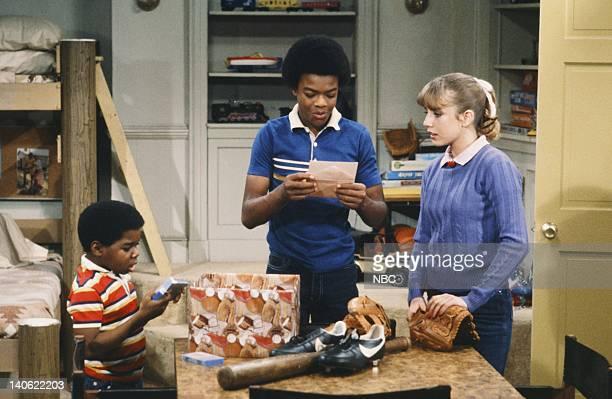RENT STROKES 'The Athlete' Episode 22 Pictured Gary Coleman as Arnold Jackson Todd Bridges as Willis Jackson Dana Plato as Kimberly Drummond Photo by...
