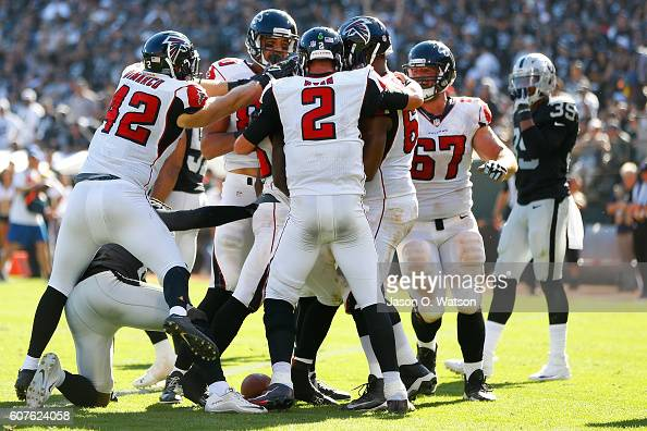 Atlanta Falcons v Oakland Raiders : News Photo