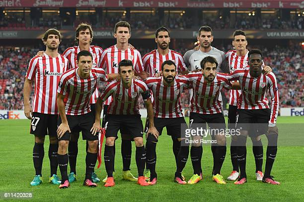 The Atletic players pose for the cameras prior to kickoff during the UEFA Europa League group F match between Athletic Club and SK Rapid Wien at the...