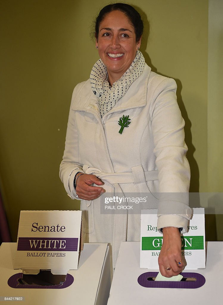 The Australian Greens Party candidate for the 'safe' Labor seat of Batman Alex Bhathal casts her vote in the Australian Federal Election in Melbourne on July 2, 2016. Australia is voting in a general election which is expected to be a close race between the ruling Liberal-National coalition and the opposition Labor Party. / AFP / Paul Crock