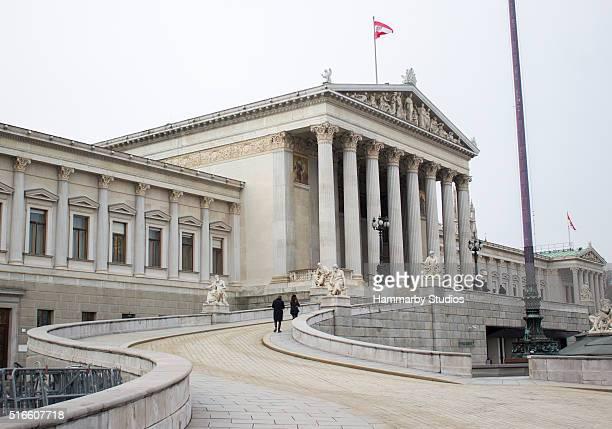 El edificio del Parlamento austríaco en Viena, Austria