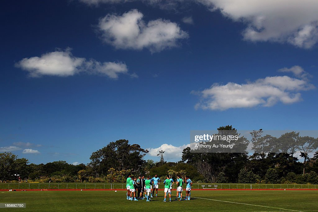 The backs have their group talk during a New Zealand All Blacks training session at Waitakere Stadium on October 26, 2013 in Auckland, New Zealand.