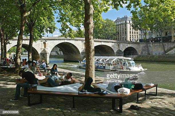 The banks of the Seine have been redecorated for a few weeks for the 2007 edition of Paris Plage bringing the seaside to Parisians
