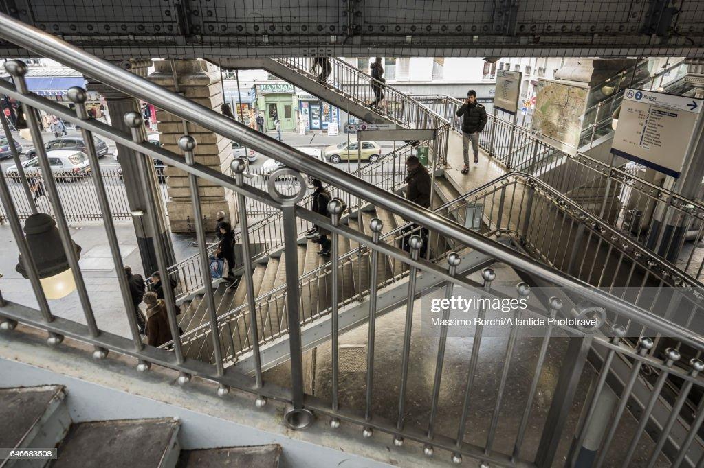 The Barbès-Rochechouart Metro (underground) Station : Bildbanksbilder