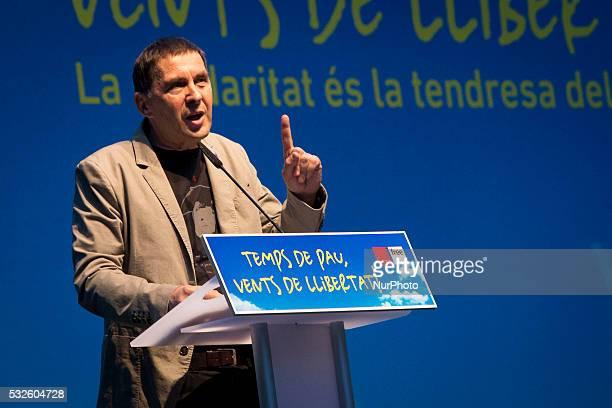 The Basque separatist leader Arnaldo Otegi speaking in a meeting in Barcelona on May 18 2016