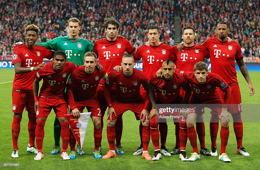 The Bayern Munich team line up prior to UEFA Champions League semi final second leg match between FC Bayern Muenchen and Club Atletico de Madrid at Allianz Arena on May 3, 2016 in Munich, Germany.