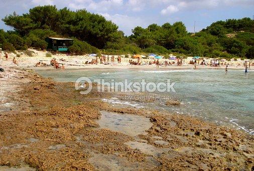 La playa de la isla de san pietro italia cerdea foto de stock la playa de la isla de san pietro italia cerdea foto de stock sciox Gallery