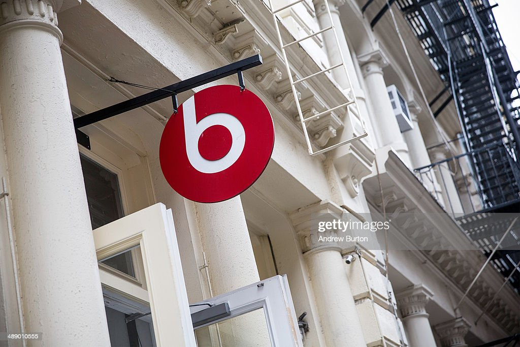The Beats headphone store is seen on May 9, 2014 in to SoHo neighborhood of New York City. Apple is rumored to be consideringing buying the headphone company for $3.2 billion.