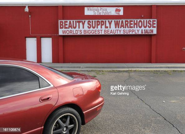 Zazi stock photos and pictures getty images for Beauty salon equipment warehouse
