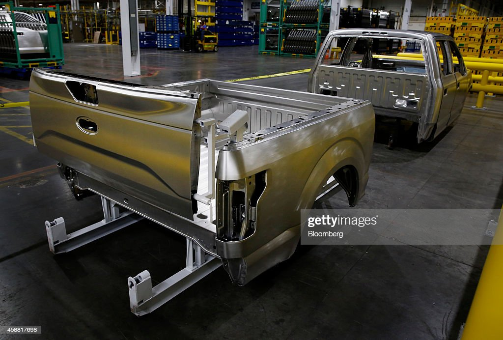 ford motor co rolls out aluminum bodied f 150 in factory henry ford. Cars Review. Best American Auto & Cars Review