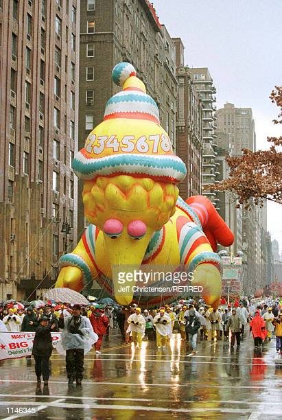 The 'Big Bird' balloon makes it's way down New York's Central Park West at the start of the 72nd annual Macy's Thanksgiving day parade November 26...