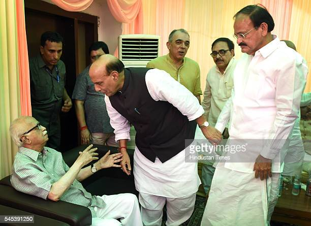 The BJP leader Lal Krishna Advani Rajnath Singh and Venkaiah Naidu during the Iftar Party at residence of BJP leader Syed Shahnawaz Hussain at Pandit...