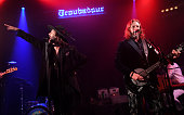 The Black Crowes Perform Shake Your Money Maker At...