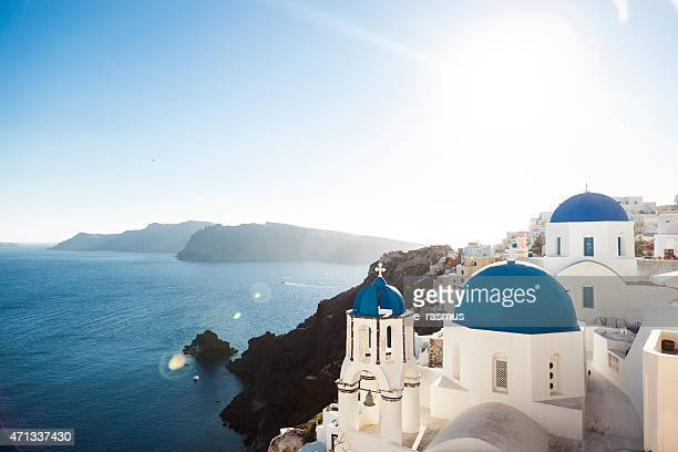 L'église bleue de cloches de photographies d'Oia, Santorin