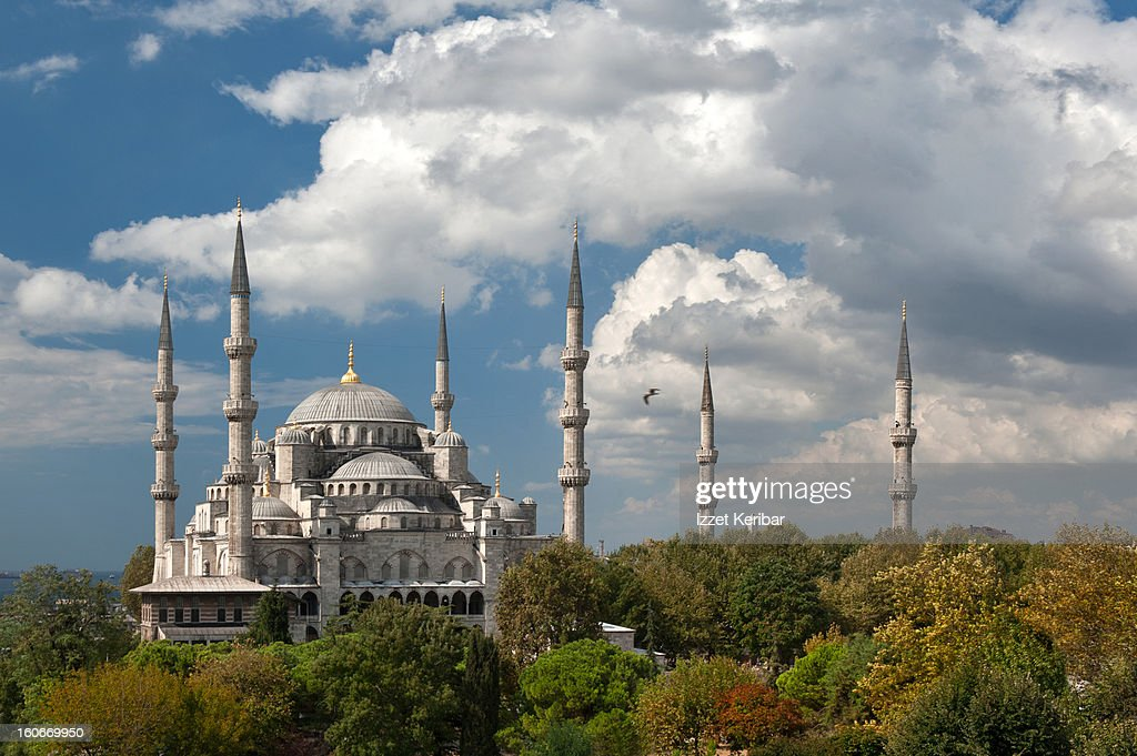 The Blue Mosque in Sultanahmet square : Stock Photo