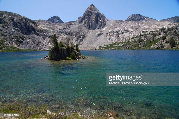 The blue Rae Lake under the blue sky of the High Sierra of California