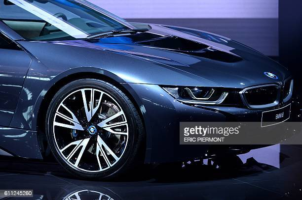 The BMW i8 is presented on the first day of the press days of the Paris motor Show on September 29 2016 / AFP / ERIC PIERMONT