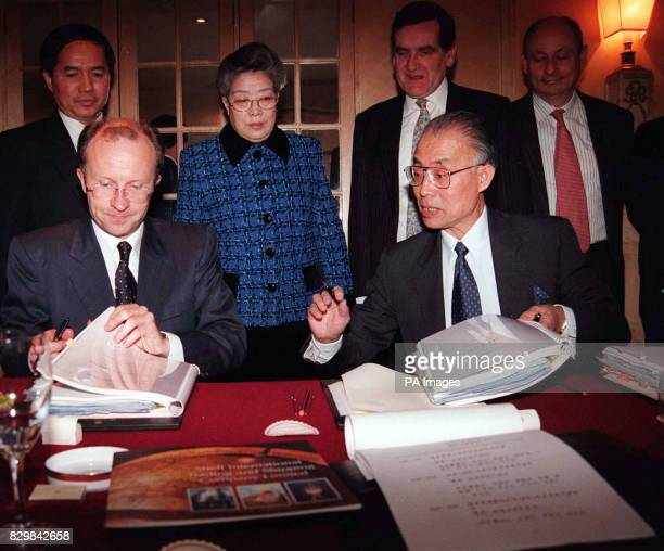 The BOC group annonces the largest single investment to dated in China which was singed at The Dorchester Hotel in London today Picture shows Mike...